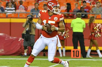 With Smith trade in place, Chiefs clear path for Mahomes