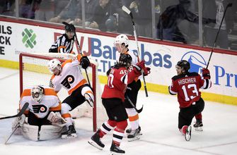 Hischier's late goal lifts Devils over Flyers 4-3