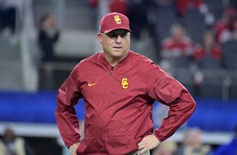 USC signs Clay Helton to new contract through 2023