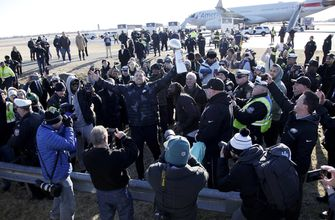 The Latest: Early birds head to Eagles Super Bowl parade